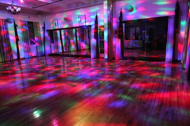 L--11-df-disco-lighting-m.slide