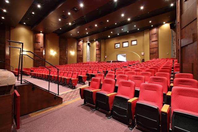 Theatre_7.slide