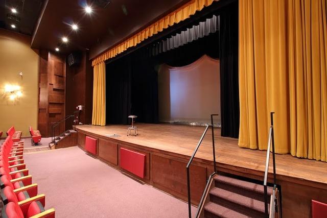 Theatre_9.slide