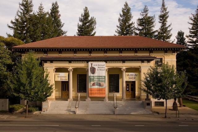 Sonoma_county_museum-7091.slide