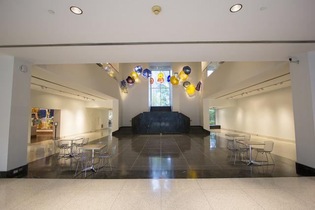 Lobby1.slide