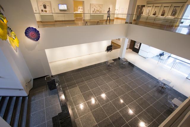 Lobby5.slide