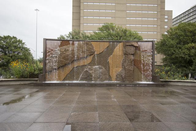 Plaza4.slide