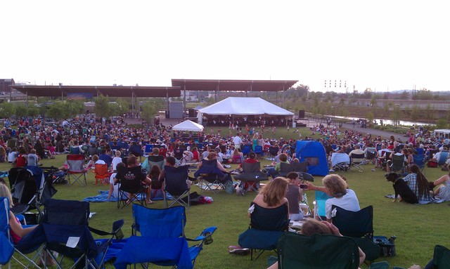 Amphitheater_crowd.slide
