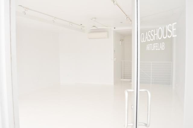 1_gallery_storefront.slide
