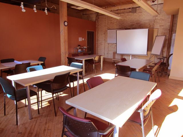 Smallclassroom.slide