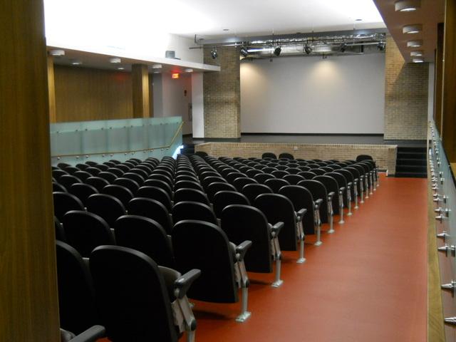 Theatre_001.slide