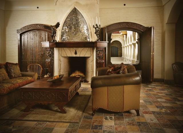 Fireplace_in_lounge.slide