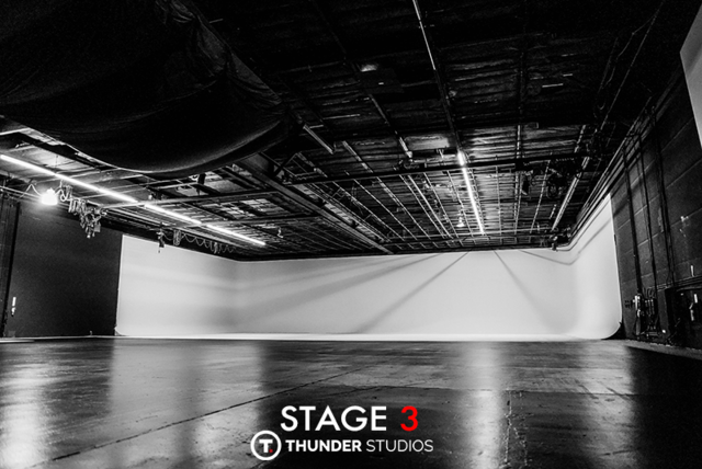 Thunder-studios-variety411-la411-798x534-stage-3-wide-vast-huge-off-angle-bw-white-cyclorama.slide