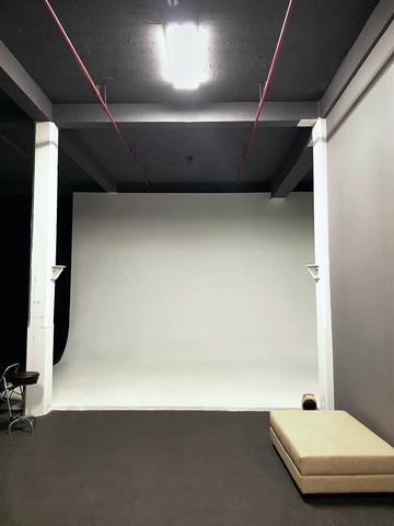 Studio-d-3.slide
