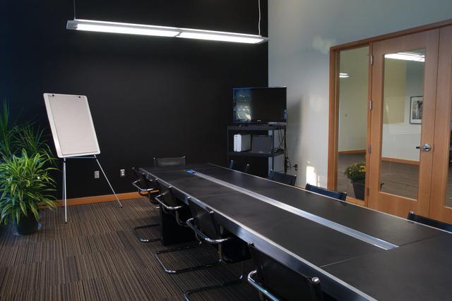 Boardroom3_1.jpg.76365163.slide