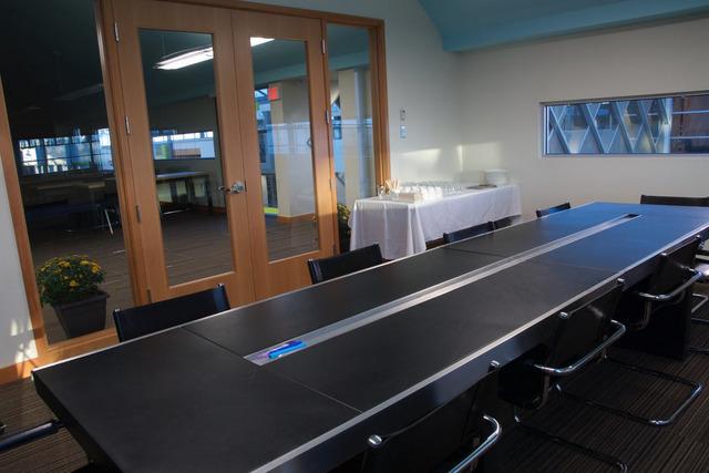 Boardroom2_1.jpg.d406cb99.slide
