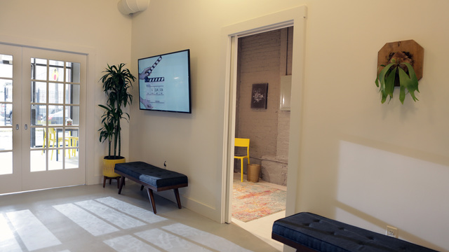 Studio_workspacedressing.slide