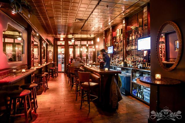 Velvet_bar_room.slide