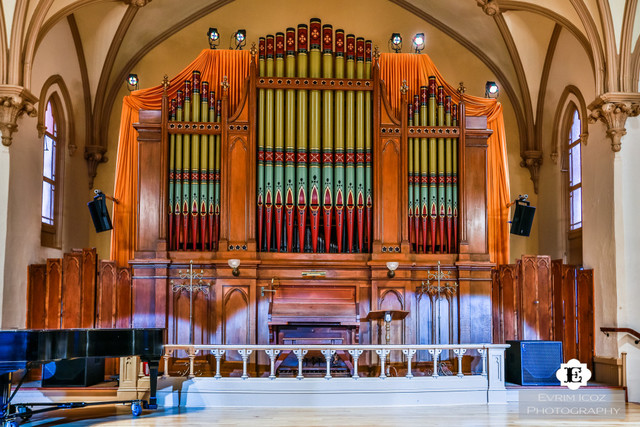 The_old_church_organ_toc-concert-hall-improvements-1-1024x683.slide