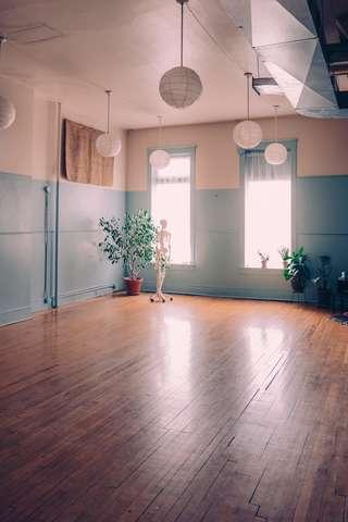 Studio_2_bright.slide