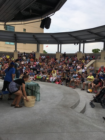 Celebration_square_-_amphitheatre.slide