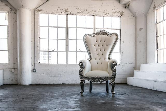 Art-1-the-white-chair.slide