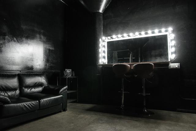 Stage_b_fd_studios-8.slide