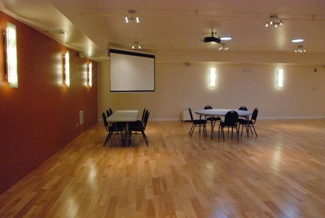 Conference_room_corner.slide