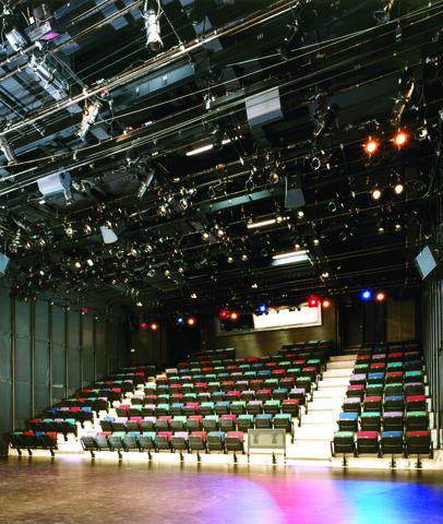 Theater1.slide