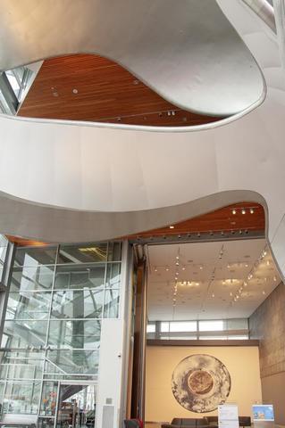 2018-aga-building-atrium-photography-charles-cousins-0010_copy.slide