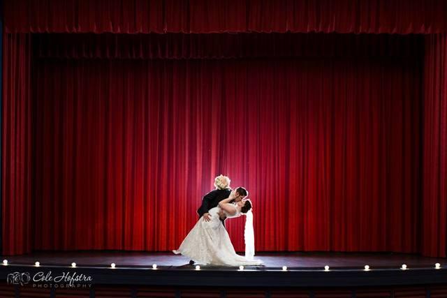 Wedding_-_dip_on_stage_-_mike___sarah_cristello.slide