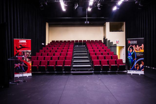 Theatre_space.slide