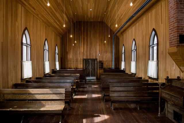 St._michael's_church_-_interior_13.slide