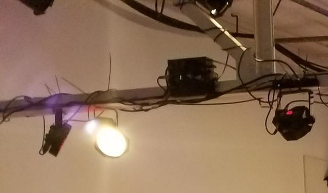 Theater_lighting_2.slide