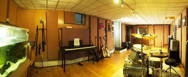 Music_room_2.slide