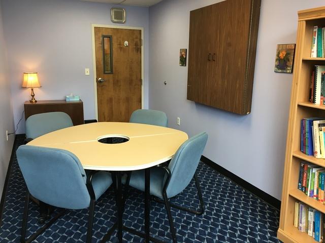 Purple_room_-_interior_view.slide