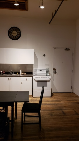 2019-11-11_22.15.27-kitchenette.slide