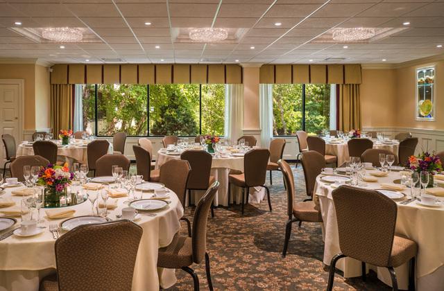 Garden_room_banquet_140708-05.slide