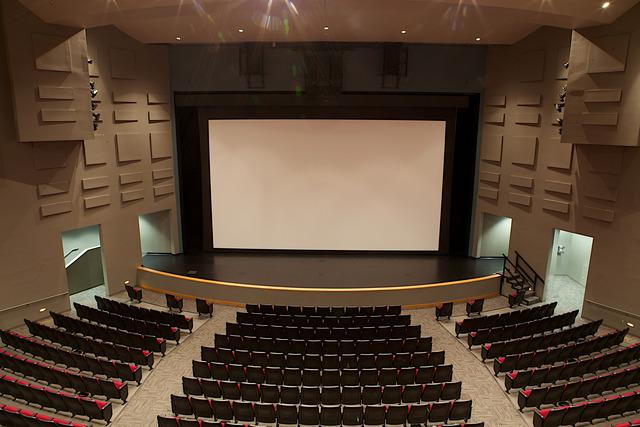 Movie_screen.slide