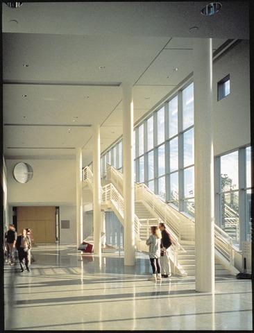 Grand_lobby-rb.slide