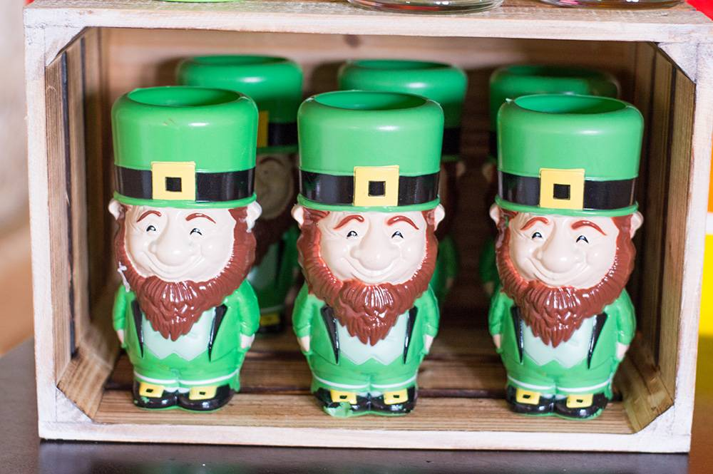 lucky_you_party_table_leprechaun_drink_cups