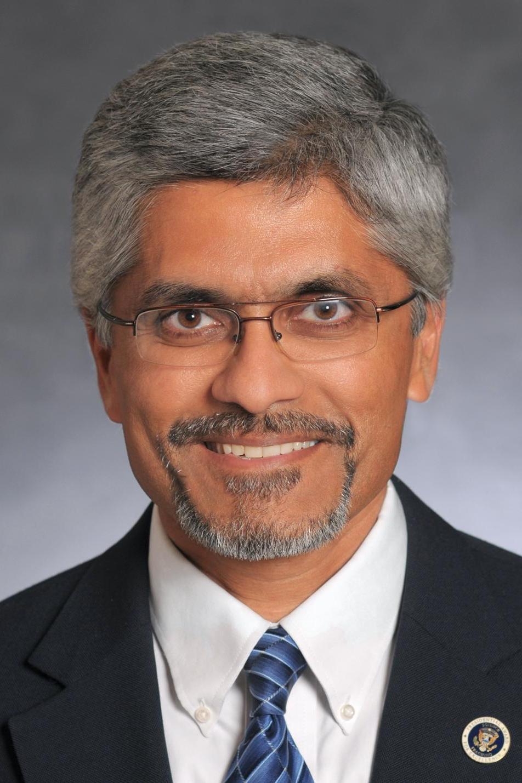 Naveen Cunha Portrait Photo