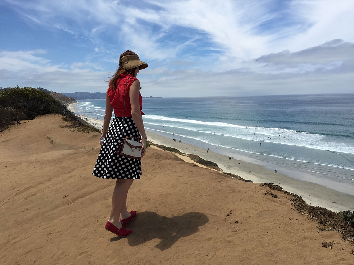 San Diego-go- Paint the Gown Red