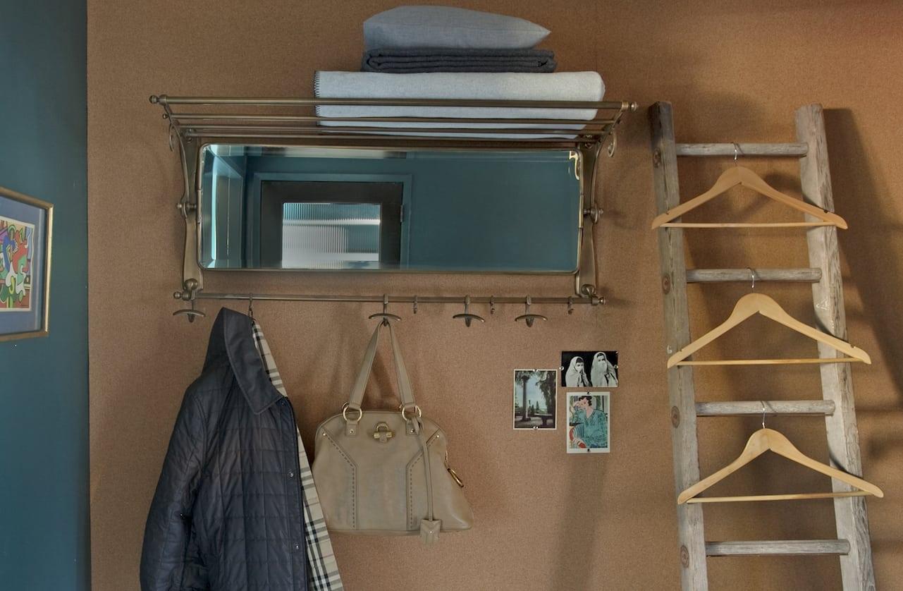 3 closet 1
