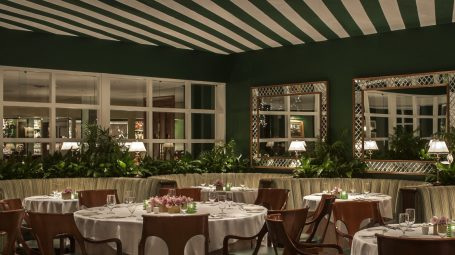 The polo lounge in the beverly hills hotel