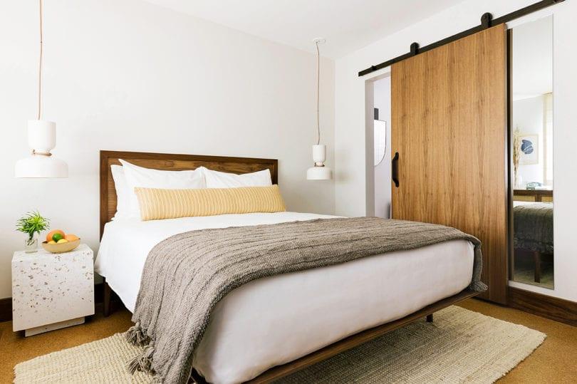 Silver Lake - bedroom