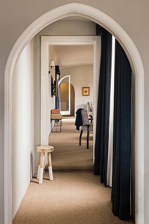 Phsm thumbnail penthouse one hallway
