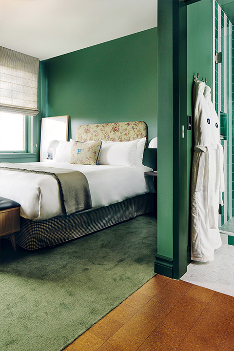 King bed bath main