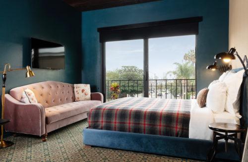 queen with terrace room