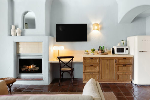 sb fireplace kitchenette