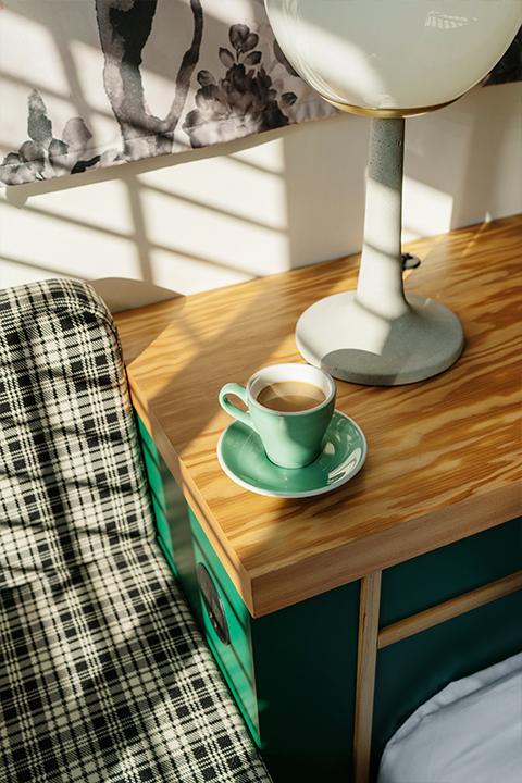 grand stark modelroom main coffee on side table