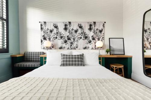 grand stark modelroom bedhead