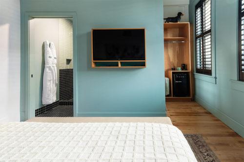 grand stark modelroom side bed closet bathroom entry