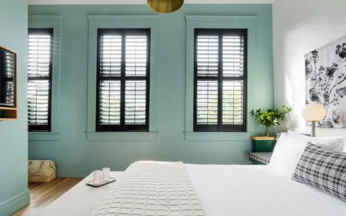 portland king bedroom bed windows